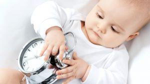 איך קובעים סדר יום לתינוק?