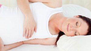 לישון בהריון