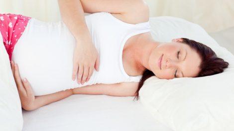 תנוחות שינה בהריון
