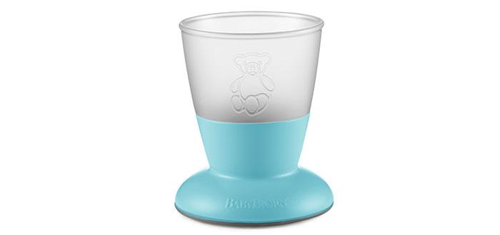 """כוס יציבה שיכולה להיותה כוס הראשונה של התינוק. צילום: יח""""צ"""