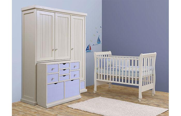 מומלץ לבחור ארון חכם עם מגירות ומתלים רבים, שיוכל לגדול ביחד עם התינוק. האוס אין, צילום: שי אפג'ין