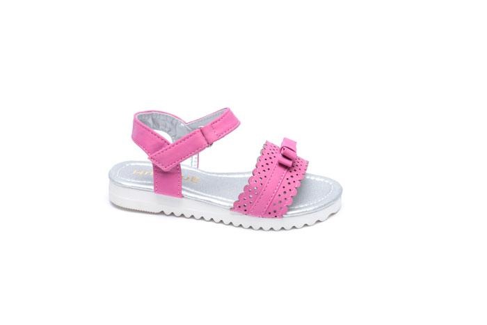 סנדל בנות במבצע. נעלי סקופ (צילום: עמירם בן ישי)