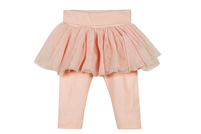 טייץ ורדרד בשילוב חצאית טוטו. גאפ בייבי (צילום: אבי ולדמן)