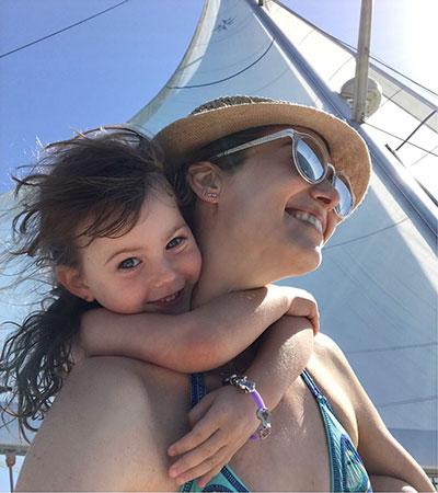 """""""אני אמא משחררת וזורמת"""". יעל גולדמן (צילום משפחתי)"""