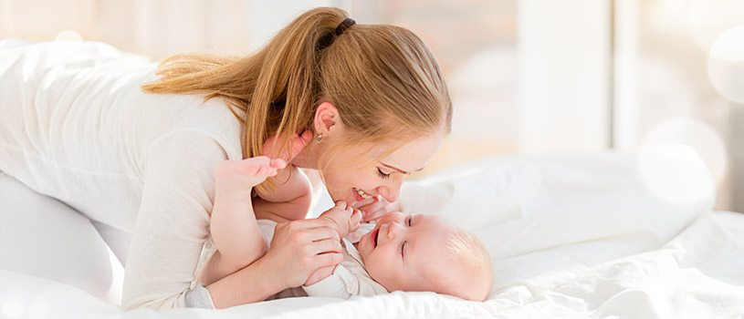 אמא, תינוק, עיסוי בטן