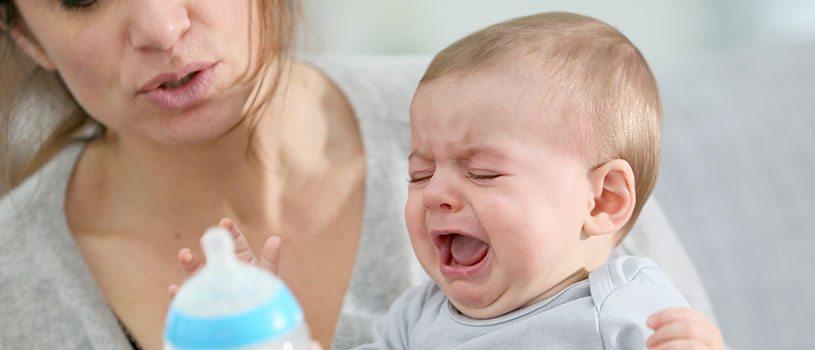 תינוק בוכה, סרבני בקבוקים